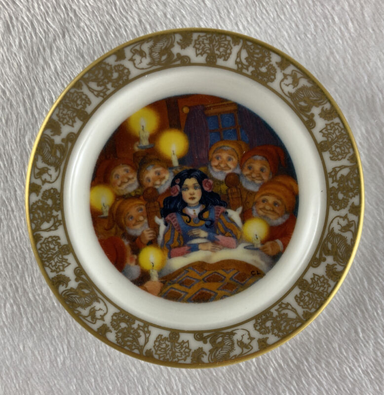 SNOW WHITE AND THE SEVEN DWARFS Mini Plate The Best Loved Fairy Tales Lawson