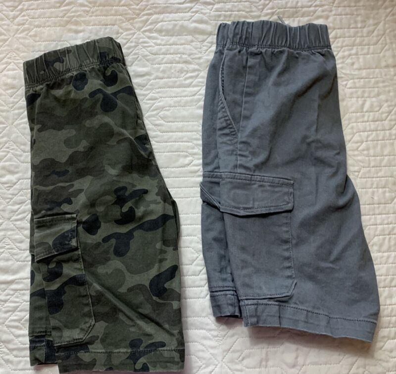Old Navy Camouflage, Gray Cargo Shorts Knee Length Boys Size Medium (8) Lot Of 2