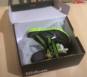 New Wilson lightweight shoes Kids Size 9