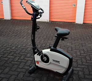YORK FITNESS PERFORM 220 ELECTRONIC EXERCISE BIKE SELF GENERATING Cronulla Sutherland Area Preview