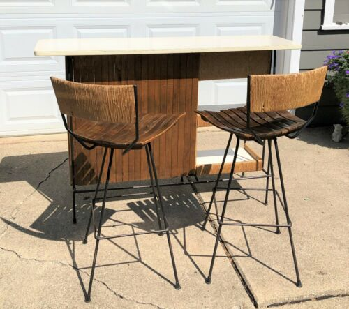Mid Century Modern Arthur Umanoff bar set with two swivel stools