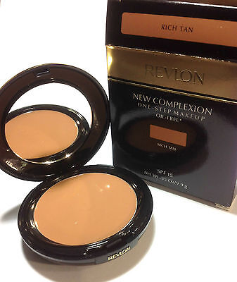 Revlon New Complexion One-Step Compact Makeup Oil-Free SPF 15 (Select Shade)