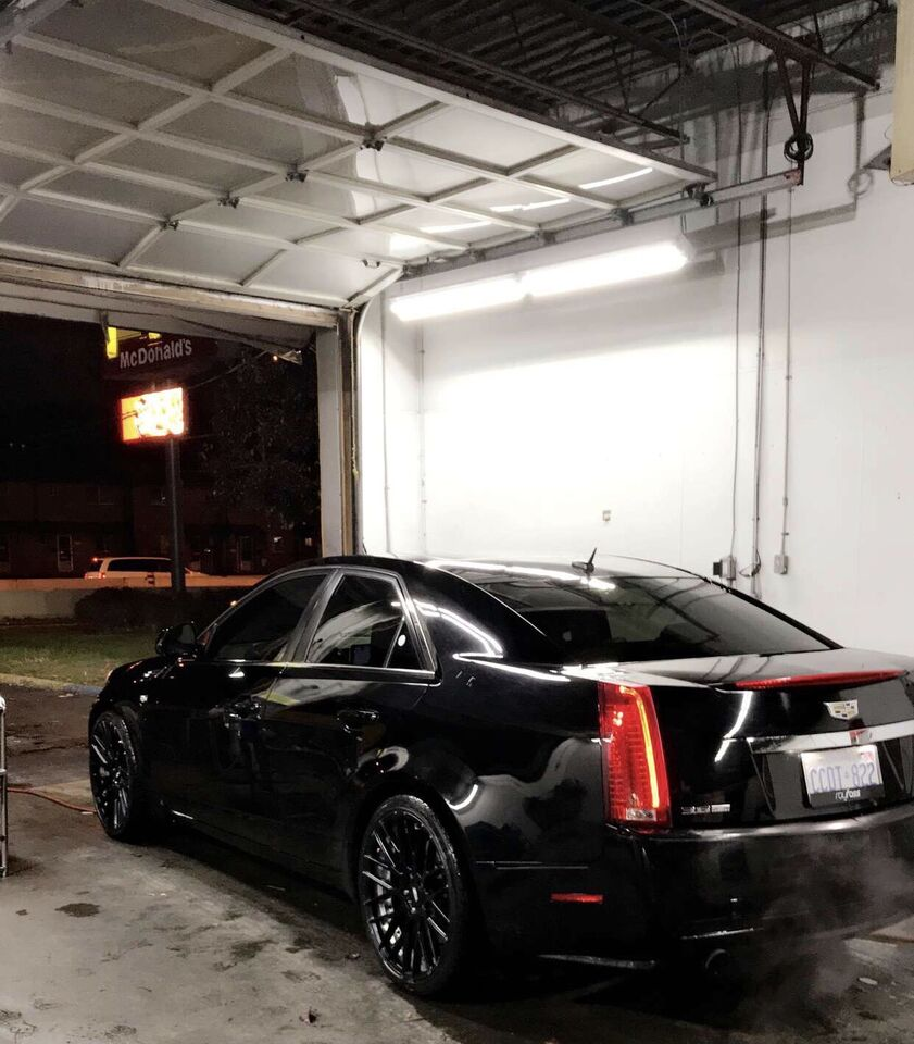 sold cts midwest cadillac in window item auction int new size full july