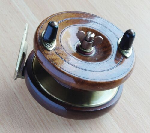 """EXCELLENT SMITH & WALL MADE QUALITY STAR BACK WALNUT WOOD REEL 4"""" DIAMETER"""