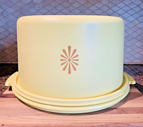 Vintage 70's Tupperware Cake Taker Carrier Harvest Gold Sunburst 684-2 and 683-2