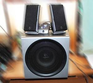 Logitech Z-2300 Speakers+Subwoofer-The bass can  really shake a r Colyton Penrith Area Preview