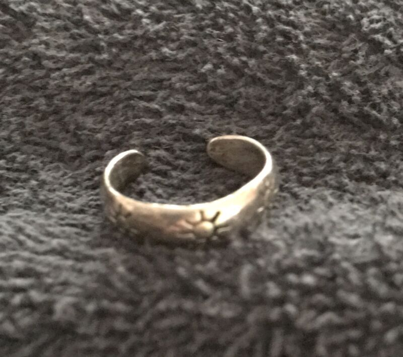 Sterling Silver ~2grams Simple Silver Band Full Sun Patterns Toe Ring Size 5
