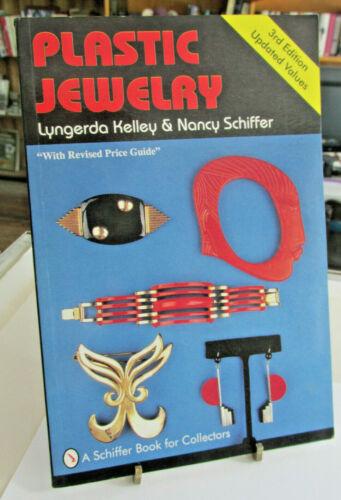 Plastic Jewelry by Lyngerda Kelley & Nancy Schiffer 1996 Bakelite, Lucite Pins