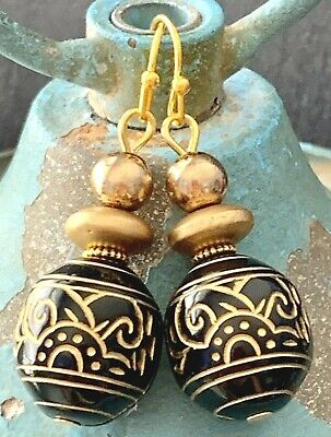 Vintage Etched Black and Gold Bead Earrings. Light Weight, Fun To Wear. Black Bead Drop Earrings