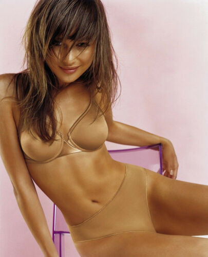 Olga Kurylenko 8x10 Celebrity Photo Picture Hot Sexy 8
