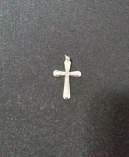 9ct white gold cross North Albury Albury Area Preview