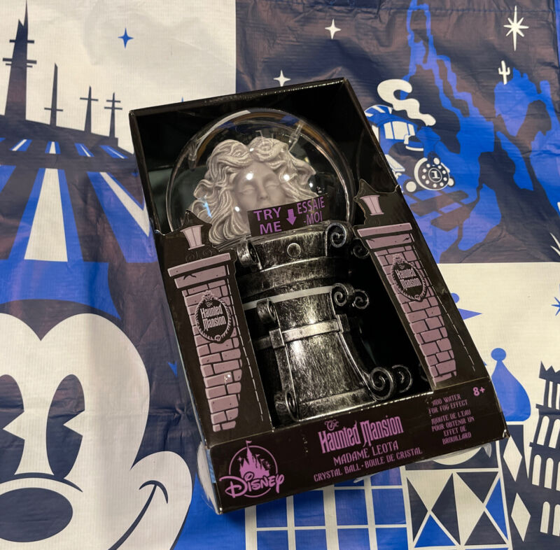 Disney Parks Haunted Mansion Madame Leota Crystal Ball Light Up With Fog NEW!
