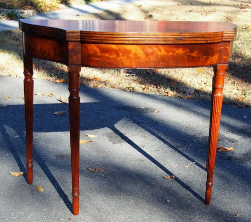 PERIOD AMERICAN FEDERAL INLAID GAMES TABLE - CHERRY - FLUTED LEGS - 1800