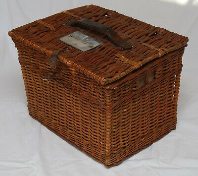 Good Quality 1950 Vintage Wicker For 2 Pigeons Carrier By Shepherds Basket Works