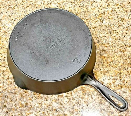 """Vintage """"ERIE"""" 701 D cast iron skillet No.7 with heat ring"""