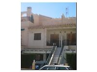 FANTASTIC ONE DOUBLE BEDROOM APARTMENT WITH ROOF TERRACE FOR SALE IN TORREVIEJA 35,000 Euros