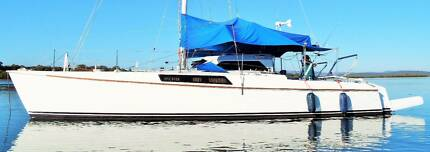 CATAMARAN Fountaine Pajot 37ft 'Louisiane' design