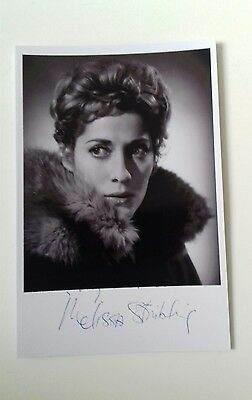 """HAMMER HORROR - Actress Melissa Stribling Reproduced Autograph 6""""X4"""" Glossy Pic"""