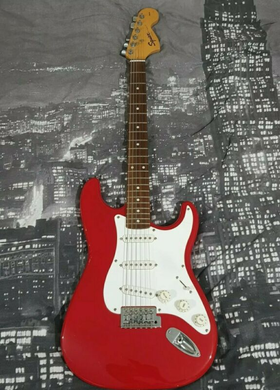 Fender Squier Strat Affinity Series Guitar 20th Anniversary Cherry Red