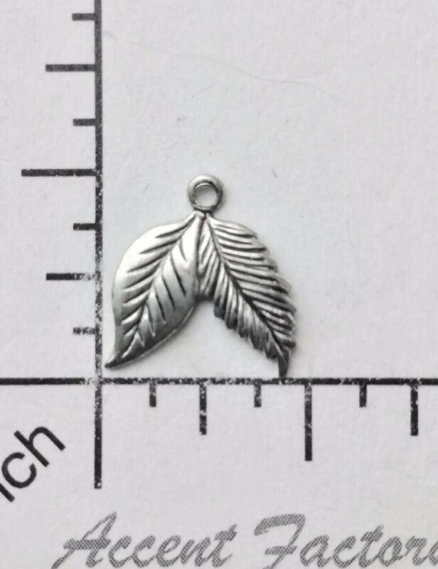32524         4 Pc  Matte Silver Oxidized Leaf Jewelry Finding Charm