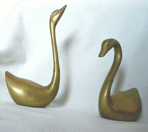 2 PC SOLID BRASS PAIR OF SWAN VINTAGE  FIGURES PAPERWEIGHT STATUE FAMILY DECOR