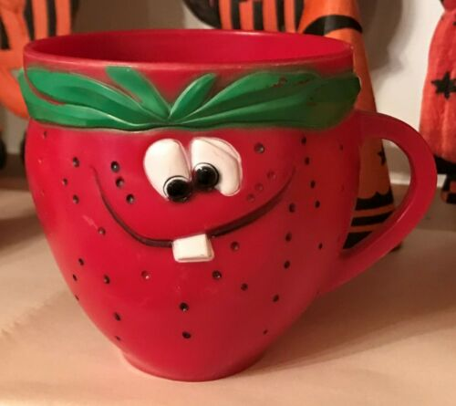 Vintage 1969 PILLSBURY Funny Face Mug Freckle Face Strawberry