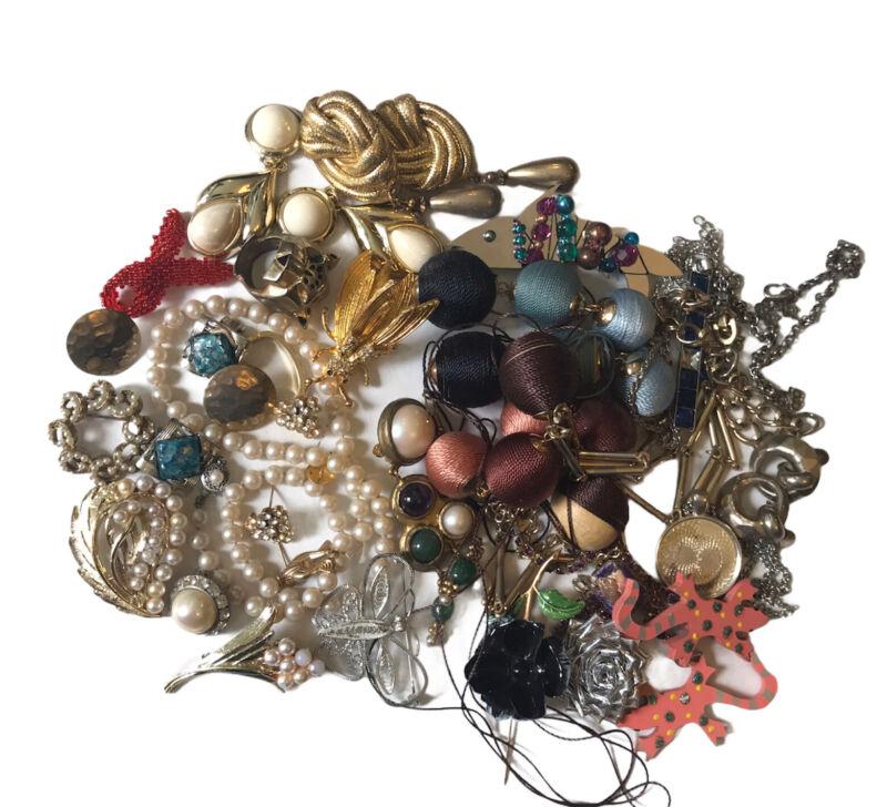 Vtg Jewelry Lot Craft Repair Rhinestone Earrings Brooches Pearls Trifari Coro