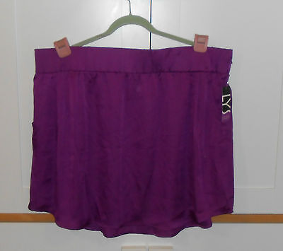 WOMEN'S LYS (LOVE YOUR STYLE) MAGENTA MINI SKIRT - SIZE 3XLARGE PLUS - REVISED