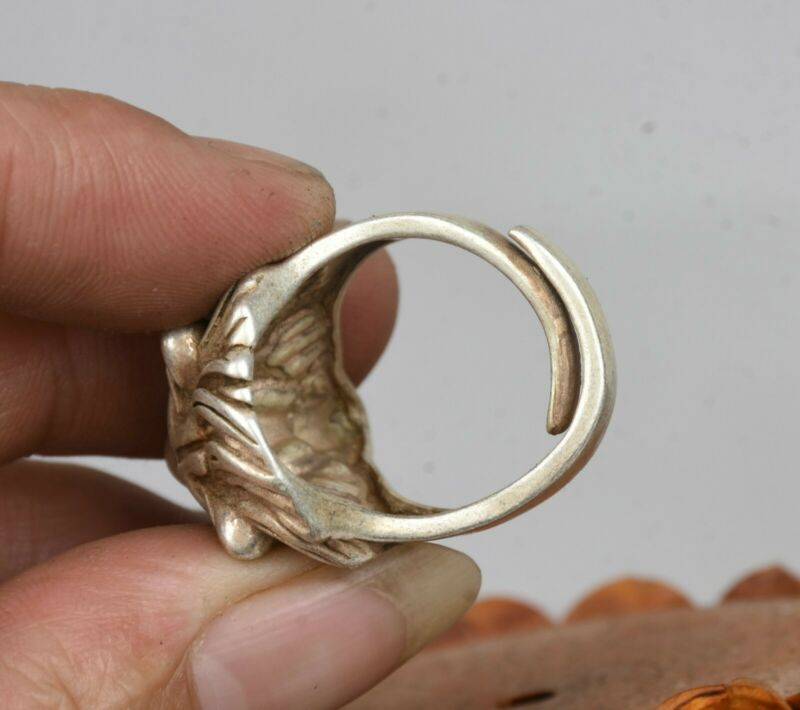 2.8CM Old Chinese Miao Silver Lion Head Beast Jewellery Hand Ring