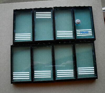 LEGO :   7 fenêtres et 1 portes noires de 1 x 4 x 5