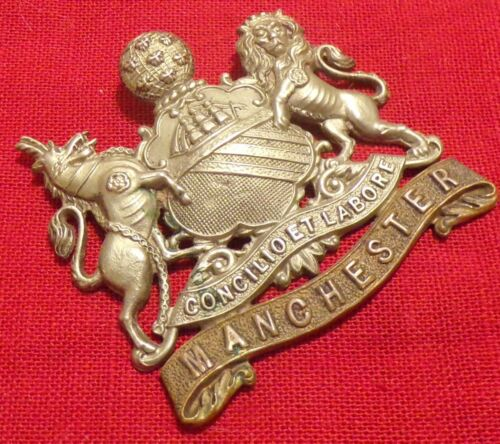 WWII British Army Manchester Reigment 5th Volunteers Hat Badge Cap