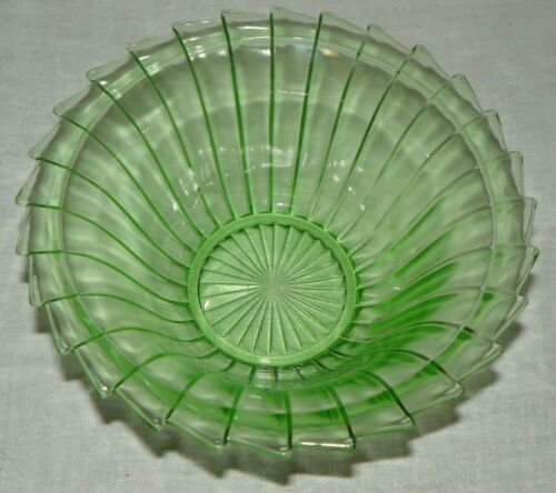 Vtg Sierra Pinwheel Green Depression Glass 8.5 Inch Berry Bowl Jeannette Glass