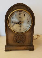 Telechron Revere Westminster Chime  mantle clock 121198 measures 13x8