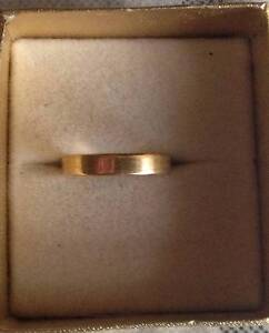 18ct yellow gold wedding band size 8 Ringwood Maroondah Area Preview