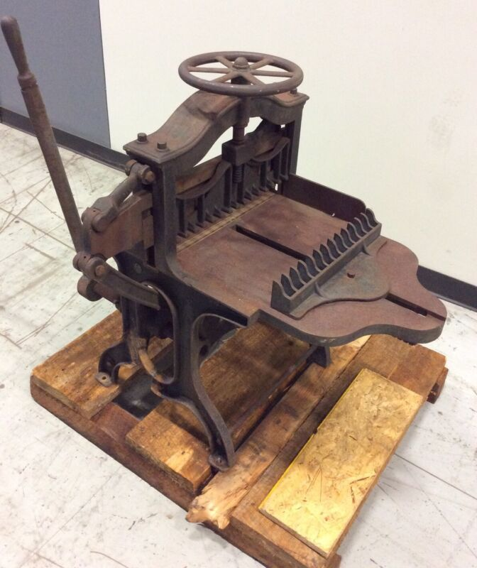 "CHICAGO PRINTERS 16"" VINTAGE GUILLOTINE"