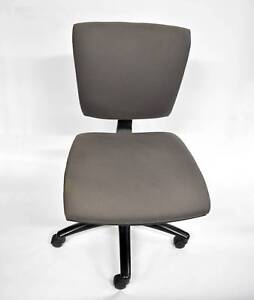 1 x Grey Square Office Chair. $5 cash pick up. Pick up only. Lonsdale Morphett Vale Area Preview