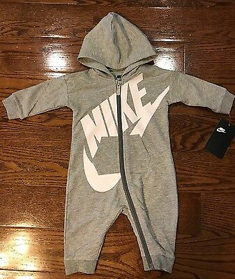 NWT NIKE Baby Boy Long Sleeve Bodysuit/Romper Outfit, Size 3/6M