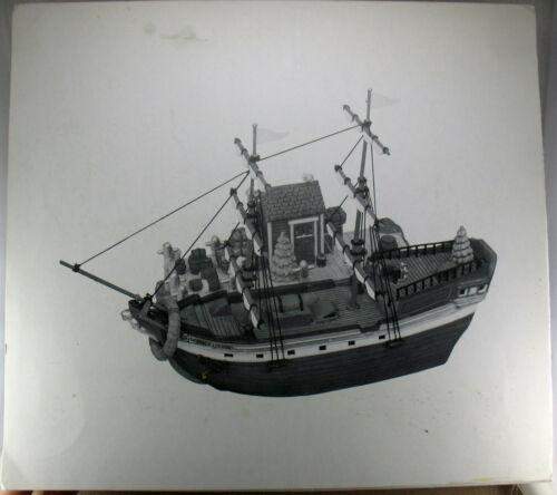 Dept. 56 New England Series The EMILY LOUISE 2 piece set
