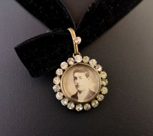 Antique paste locket, Edwardian portrait pendant