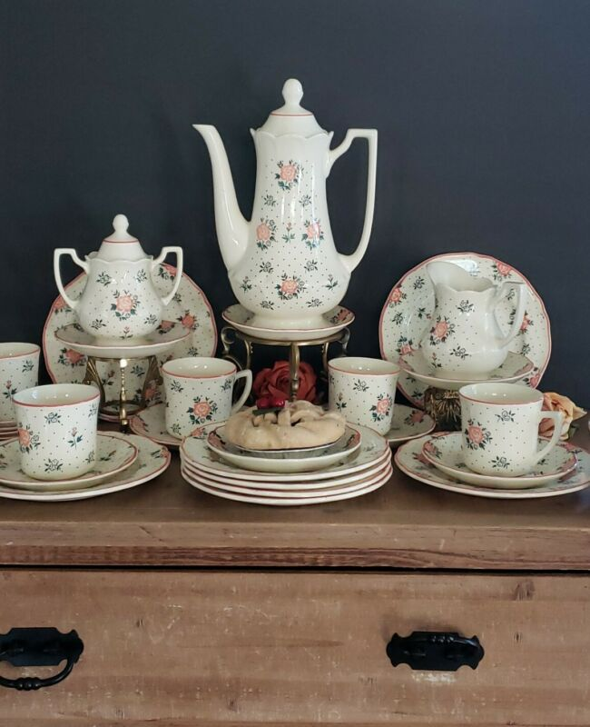 Johnson Brothers Monticello Set of 27