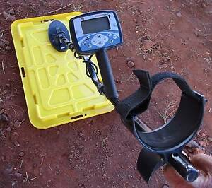 Minelab X-Terra 705 Gold detector with spare Coiltek 15 inch coil Marble Bar East Pilbara Area Preview
