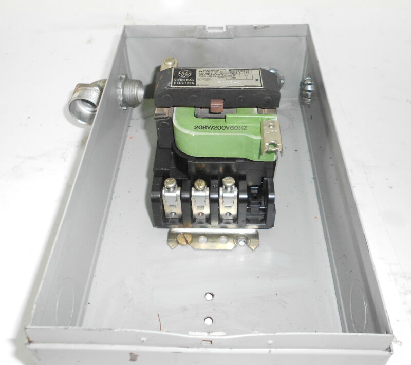 General Electric Magnetic Starter w/Enclosure, CR205H1, 9 Amps, Used, WARRANTY