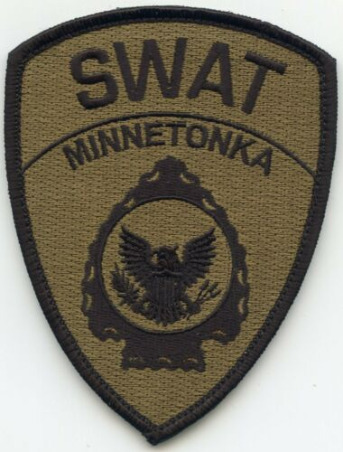 MINNETONKA MINNESOTA MN SEE BACK OF PATCH Special Weapons SWAT POLICE PATCH