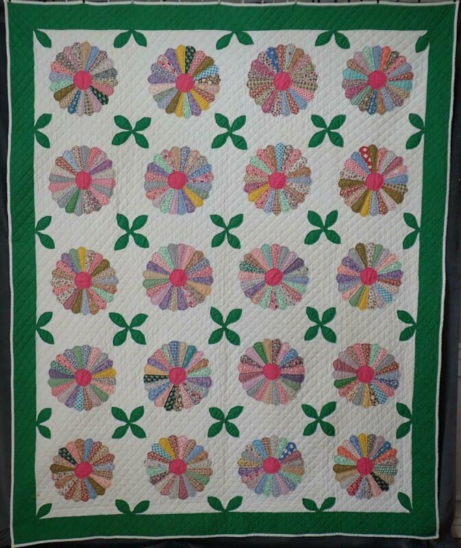 Beautiful Prints & Quilting! Vintage Green & White Dresden Plate QUILT 91x75