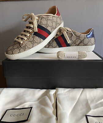 Women's  Ace GUCCI GG Supreme Sneakers.