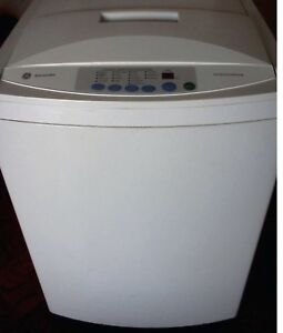 Apt-size GE portable washer with wheels 2.6 Cu.ft