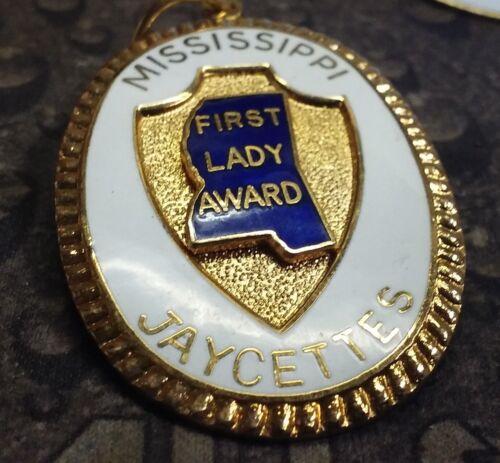 Mississippi First Lady Award Jaycettes vintage pendent pin badge