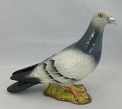 Beswick Bird - Pigeon - Model No. 1383 Blue/Grey - Defective