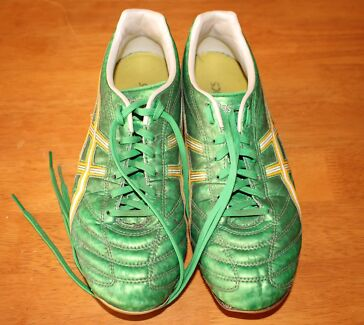 Size 7 - Asics Green Football / Soccer Shoes Canning Vale Canning Area Preview
