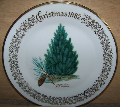 Lenox 1982 Christmas Commemorative Issue Aleppo Pine Tree 10 1/2  Plate
